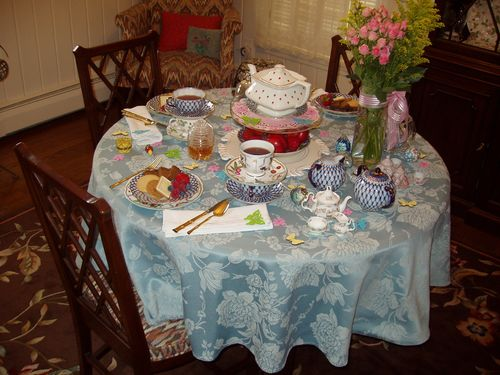 Mad Tea Party 012