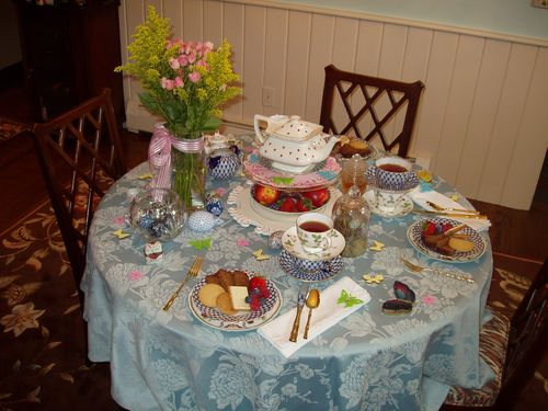 Mad Tea Party 009